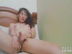 Sweet and beautiful colombian shemale jerking off with her feet - Angeles del Mar