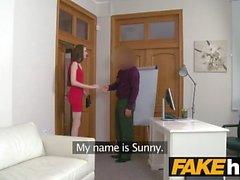 Fake Agent Casting slim 18yr ragazza piuttosto timido bielorusso con tette piccole
