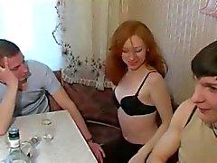 Amateur - Russisch Bisexuell - schönen Redhead Geldmarktfonds