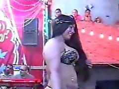 layaly femelle danseuse orientale montrent son cache Vidéo 2.015