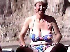 El masturbation Barco de 54 años Mia