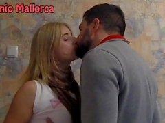 BİR Ukraynalı aldı ve (ASS kapma) tutkuyla öptü