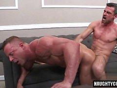 Big dick Bodybuilder Analsex und Gesicht