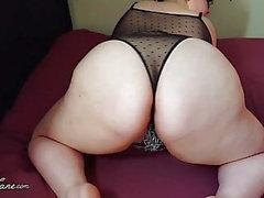 BBW Shakes Fat Ass na roupa interior