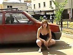 Donna lampeggiare Russian