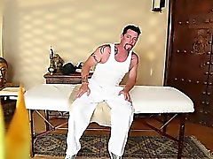 Great масажный кабинет с горячей пупсикей
