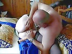 Oude dame houdt nog steeds sex !