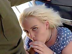 Blondie fà il la figa dal dell'agente pattuglia di frontiera