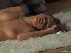 Sexy Andie Valentino masturbating