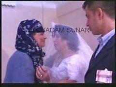 Turkiskt bröllop - jävlas med jungfruliga frun