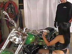 Азиатский Diva Девушки азиатская - Приключения Для платиновые - 1. : байкеров пупсик Мики Tan
