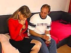 HausfrauFicken - German casalinga matura con scopata hardcore