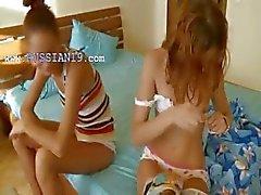 spaans kuikens Vika en Natasha