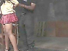 Siyah roped kız öğrenci baston ile cezalandırıldı