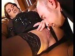 Amatuer Brunette Hot Pompino Ball Lick viso