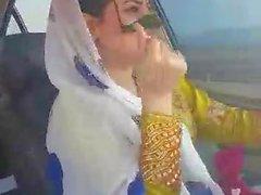 Iranien sexy danse MILF hijab dans la voiture-Ahvaz