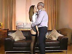 British Schulmädchen von älteren Mann gemobbt