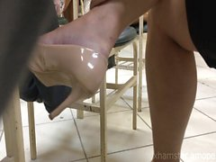 Candid tatoo foot high heels shoeplay dangling in college 3