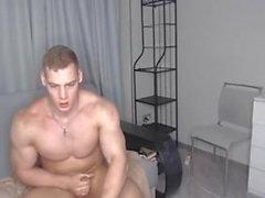 Young bodybuilder jerking off