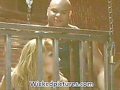 De baise fétichiste avec Babe par Freaky Trina Michaels a