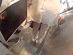 sexy Minihameeseen sekä jalat sukkahousut