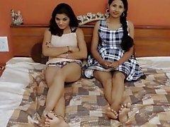 Akeli pyasi jawan bhabhi xxx desi glamour historia albergue lesbianas urdu niñas