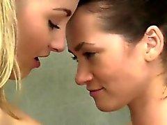 Презервативов подростковые член Походы в кинотеатр Argentina VS Испанию лесбиянок