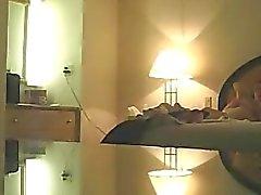 Жены Michelle voyeured голые на кровать