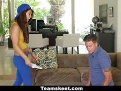 CFNMTeens - Teen Humiliates BF für Basketball Karten