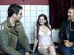 Amsterdam prostitute pleasing a horny Del 1