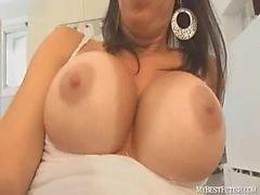 branler sur les de Tiffany d'énormes seins - branlette - mybestfetish.com