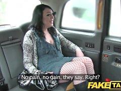 Väärennetty taksi, jota turvallisuus on saanut ennen suurta kasvojen sävyä