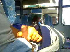 Tunnistin bussissa