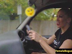 Bigtit cabbie cougar goût clients cum
