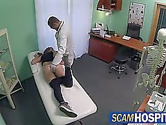 Sexy della Kristyna scopata al medico