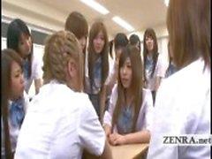Tekstitykset Japani koulutyttö virheellisesti alasti koulussa
