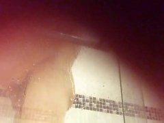 fotoğraf makinesi Cachee garcon la douche 02 dans
