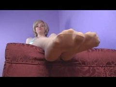 Sarah Blake Pies y Pantyhose Femdom Humiliation Foot Worship Freak