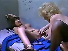 Lesbian Omas im Gefängnis