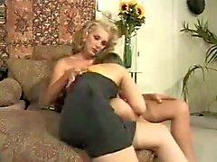 Aroused Tranny Screws Yummy Woman