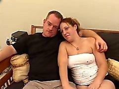 courbée balise de Fille enceinte de s'est associé