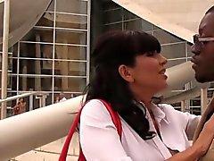 el puma córneo a Tara Holiday se encuentra de la BBC