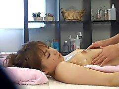Junge Braut verführte mit Massagegerät