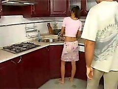 Emäntänsä anaali keittiö hauskanpidon