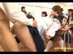 Jav Idol Schoolgirls baisée par Masked