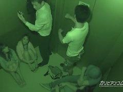 Bloccato in ascensore Maika e Aoi Miyama - Più a caribbeanco