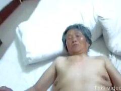 Mamie chinoise threesome