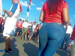 Incroyable gros culs de filles en jeans serrés Latines