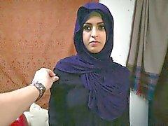 Árabe refugiada consigue el D y lo ama