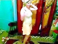 araba ragazza danza 3